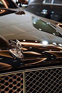 世界名车照片-宾利标志