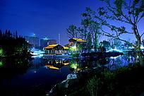 宁静的桃花岛公园夜景