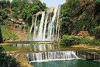 著名的黄果树瀑布