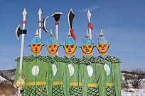 边防战士创作的木雕画《武士》