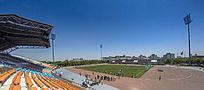 校园体育场的看台