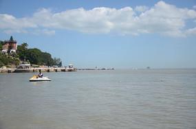 海边风景 蓝天白云