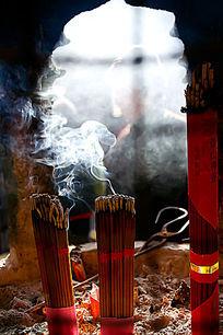 燃烧的香火