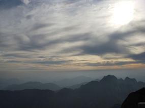 黄山日出天空