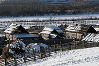 额尔古纳山村雪景