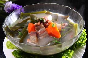 农家腊肉炖高山饭豆