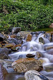 清新的河道水流