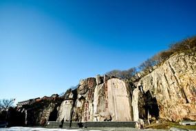 气势磅礴的唐摩崖石刻群