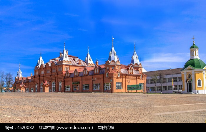 谢尔盖耶夫修道院圣母安息大教堂建筑群图片