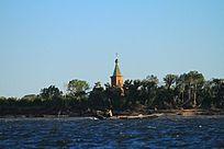 黑瞎子岛渔船和俄方小教堂