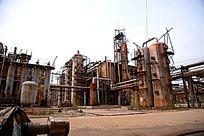废弃的工业生产设备