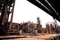 废弃的化工生产设备