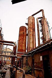废弃的化工原料生产设备