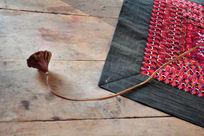 干莲蓬以及云南手工绣片地毯