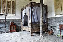 古典雕花木床