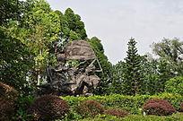 革命起义雕塑