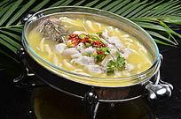酸汤桂鱼烩面柳