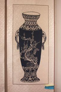 梅花图案双耳花瓶剪纸艺术