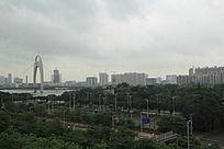 远处的城市建筑风光