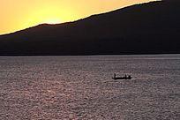 乌苏里江中国第一缕阳光