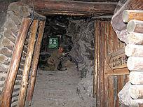复原的志愿军坑道