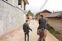 乡村小路驾马