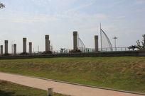 鲅鱼圈海滨柱子雕塑
