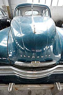 普利茅斯轿车竖构图