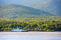 乌苏里江对岸俄国风光