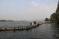 西湖贴水桥