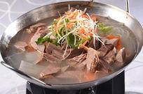 锅仔红白萝卜炖羊肉