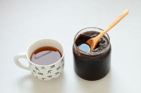 姜汁红糖和糖水