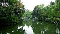 苏州园林拙政园水池