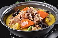 铁锅杂粮炖土鸡