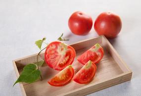 切开的番茄