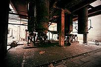 废弃工厂的一角