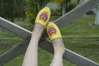 黄色小鞋子上脚鞋漂亮