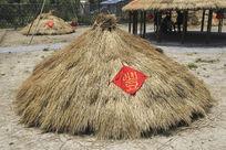 丰收稻草堆