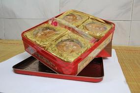 月饼和盒子