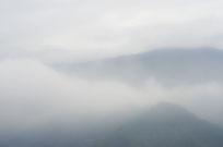 云雾缭绕水墨风摄影