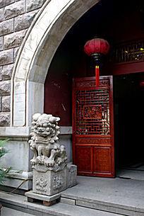 门口的石狮子