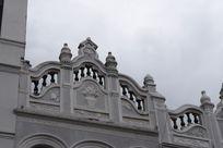 特色花纹的楼房屋顶建设