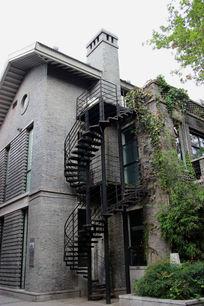复古风格的街区房屋设计