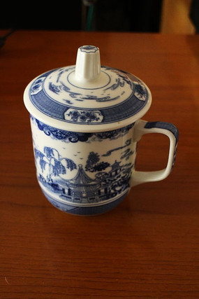 青花瓷中国风古建筑风景花纹陶瓷带盖茶杯
