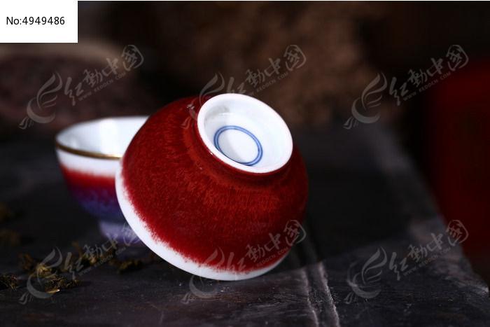 底部圆圈祭红杯图片