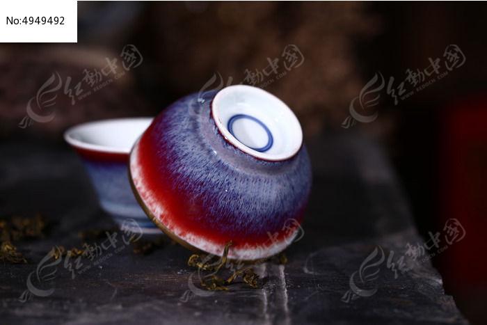 底部圆圈窑变祭红杯图片