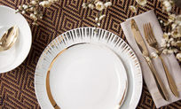 精致的陶瓷餐具