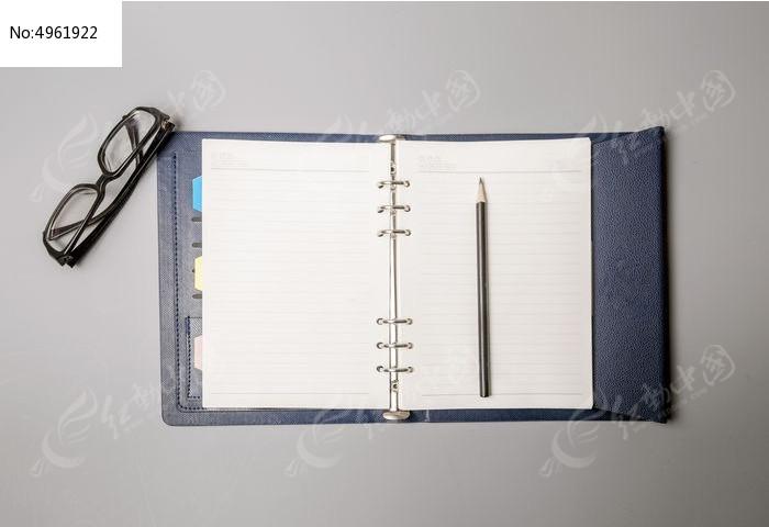 空白的笔记本