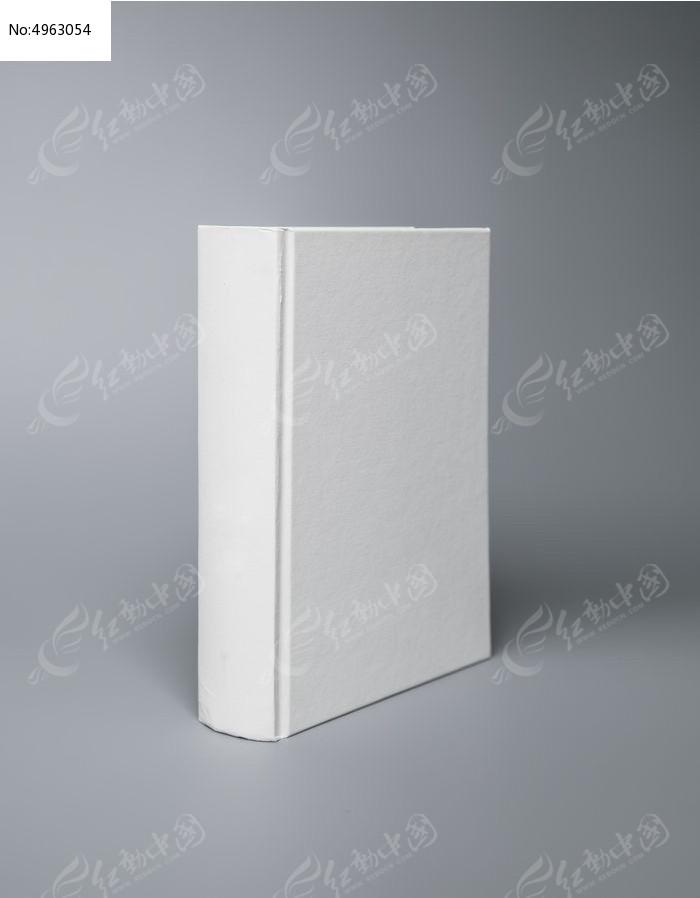 室内拍摄的空白的书