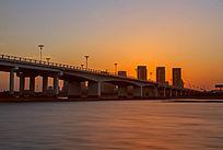 落日前的沭河大桥